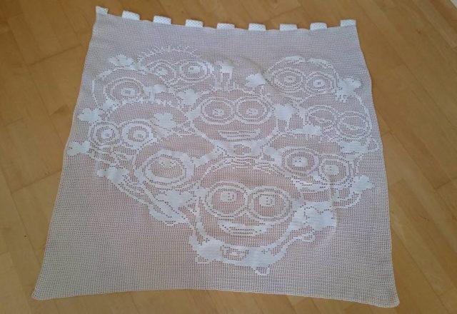 Filet crochet curtain work photo by Facebook Fan Melanie Göring