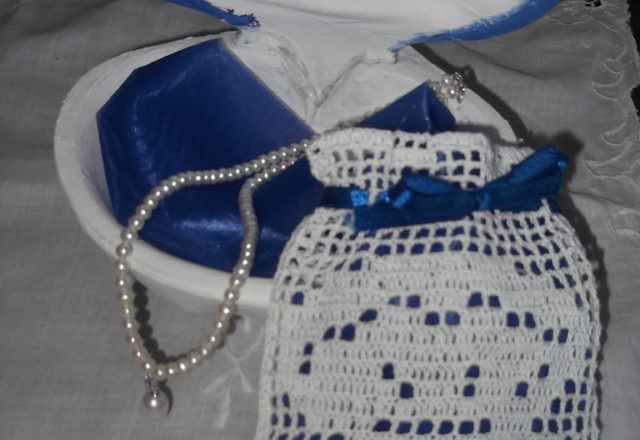 Oyster favor bag free filet crochet pattern (1)