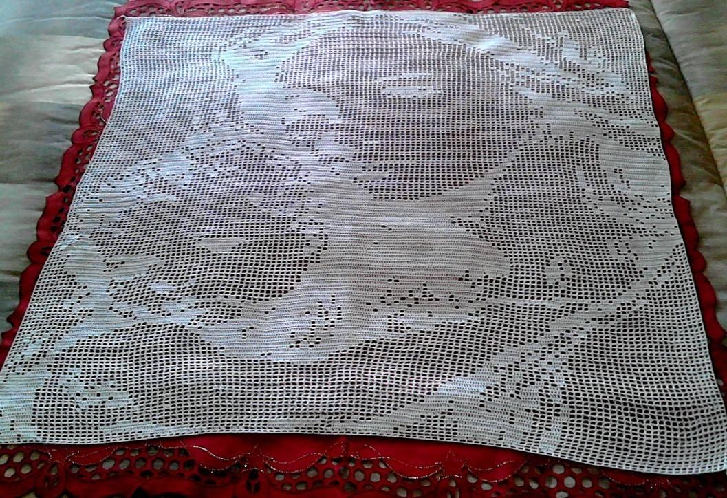 Virgin Mary with child crochet filet work photo author Facebook Fan Francesca Napolitano (1)
