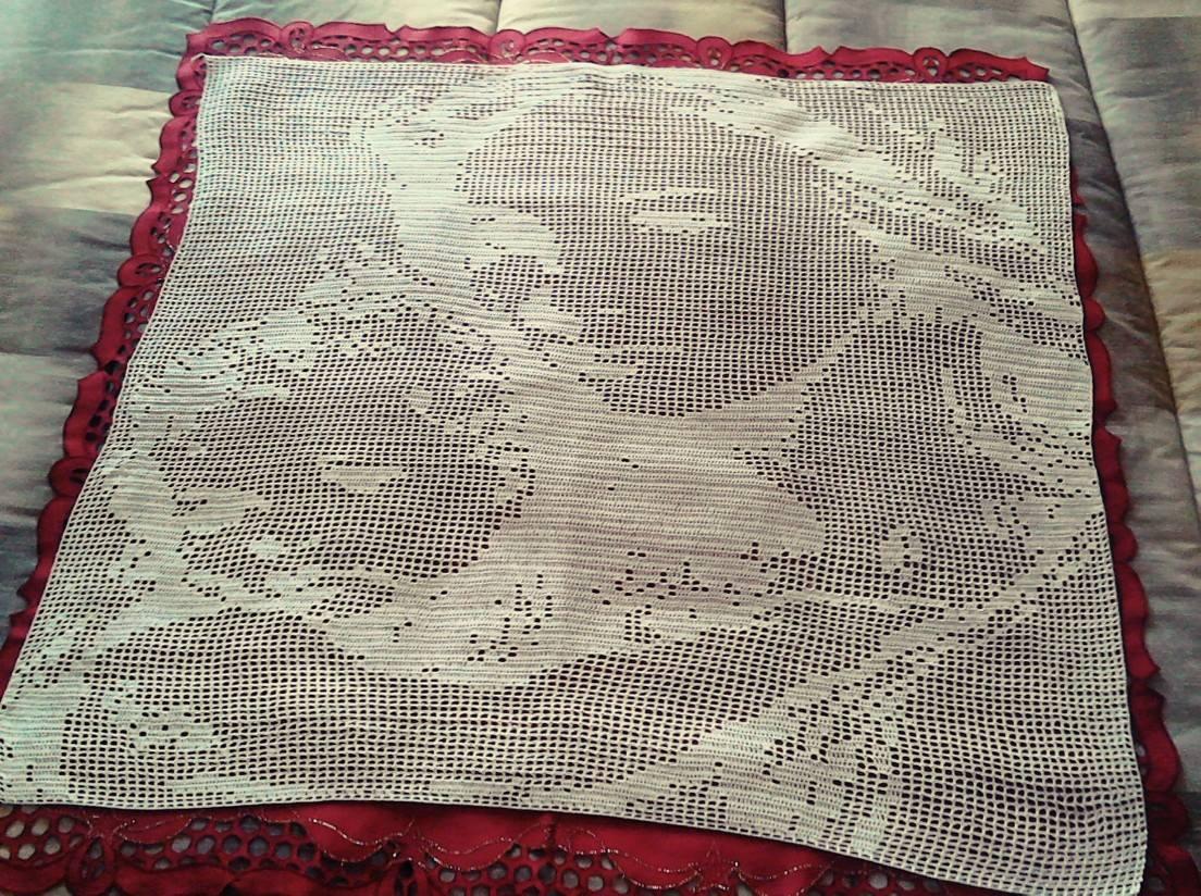 Virgin Mary with child crochet filet work photo author Facebook Fan Francesca Napolitano (2)